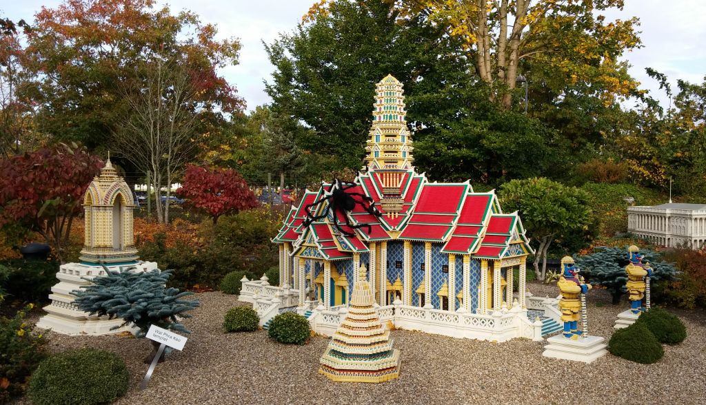 2016 Legolandin Halloween29