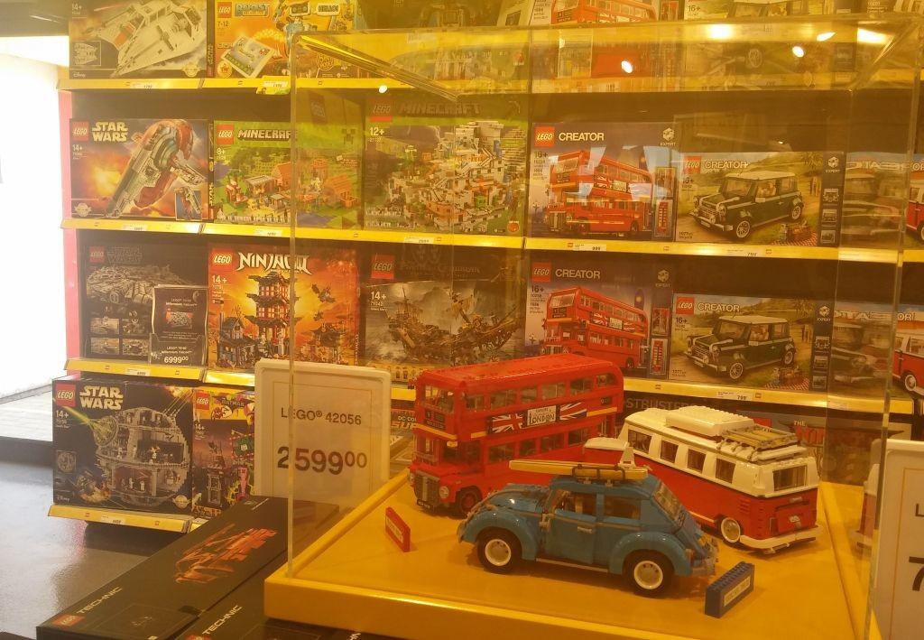 Lego Shop10