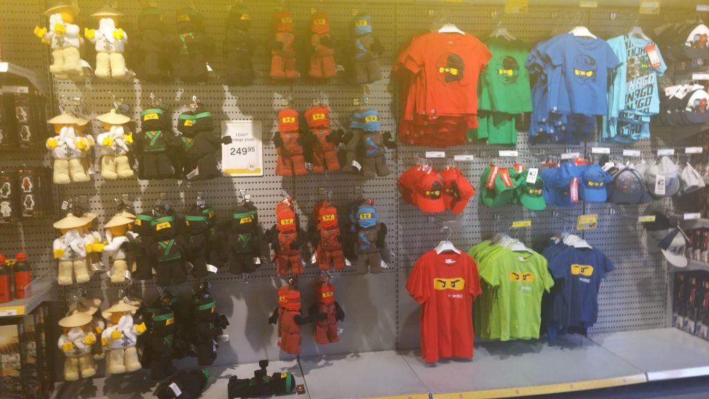 Lego Shop12