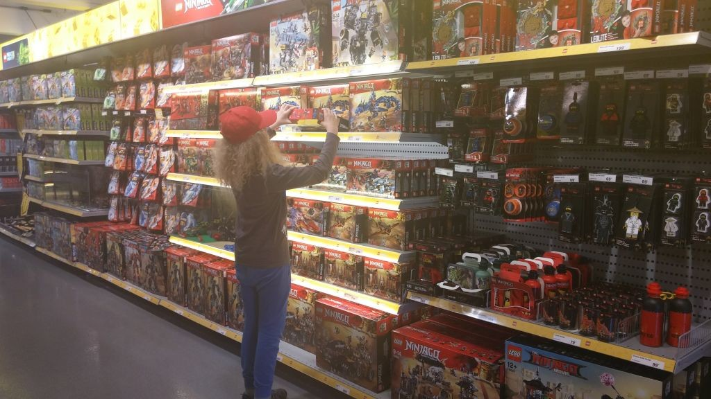 Lego Shop13
